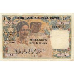 Madagascar - Pick 54a - 1'000 francs - 200 ariary - 1961 - Etat : TB