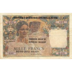 Madagascar - Pick 54a - 1'000 francs - 200 ariary - 1952 (1961) - Etat : TB-