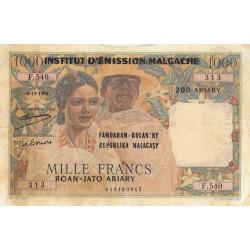 Madagascar - Pick 54a - 1'000 francs - 200 ariary - 1961 - Etat : TB-