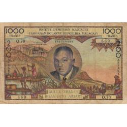 Madagascar - Pick 56b - 1'000 francs - 200 ariary - 1963 - Etat : B