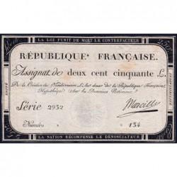 Assignat 45a - 250 livres - Signature 17 - 7 vendémiaire an 2 - Série 2932 - Etat : TTB+